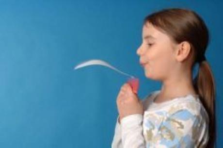 Una hoja voladora: experimento para niños