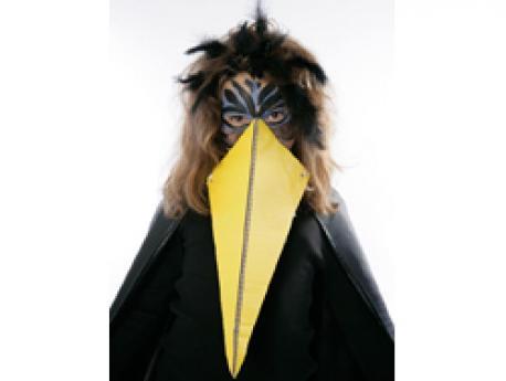 Disfraz de cuervo para Halloween: manualidad infantil