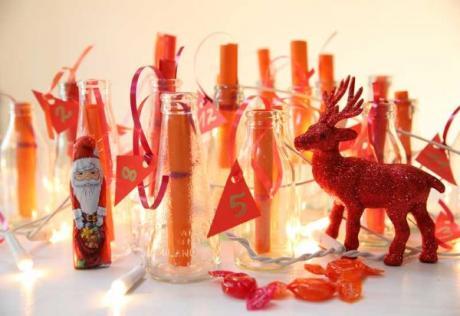 Calendario de Adviento casero con botellas: manualidad para niños