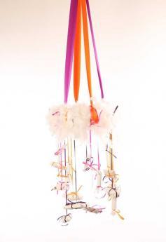 Corona de Adviento con plumas: manualidad para niños