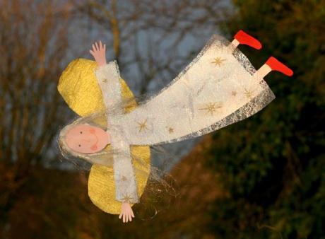 Ángel volador de Navidad: manualidad para niños