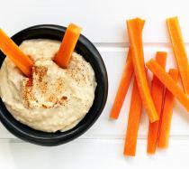 Receta de Hummus y dips de verduras para niños