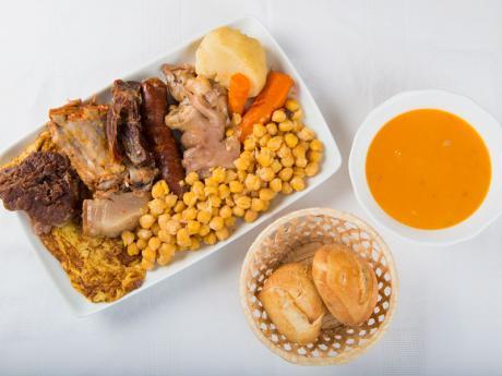 Cocido madrileño. Receta tradicional para toda la familia