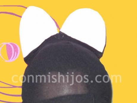 Gorro de Mickey Mouse. Manualidades de disfraces para niños