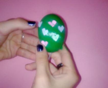 Huevo de Pascua. Manualidades de pintar para niños