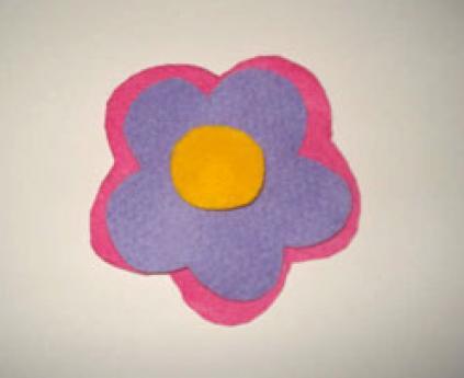 Flores en 3D. Manualidades de fieltro para niños