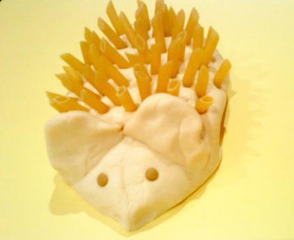 Erizo con pasta de sal y macarrones, manualidad infantil