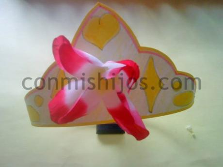 Corona de princesa. Manualidad de Carnaval para niños