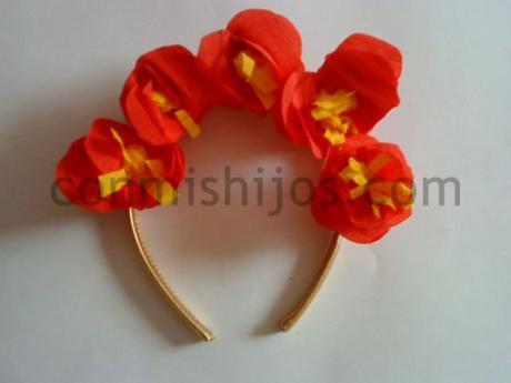 Diadema de flores. Manualidad de Carnaval para niños