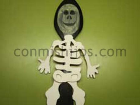 Esqueleto cuchara. Manualidad de Carnaval para niños