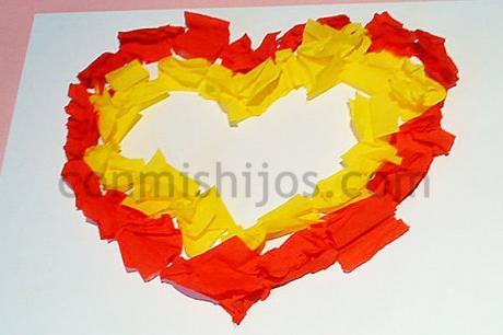 Corazón de papel para papá y mamá, manualidad fácil para niños