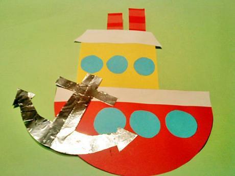 Barco pesquero. Una manualidad para niños pequeños