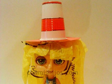 7db7f93bde619 Sombrero de payaso. Manualidades con material reciclado para niños