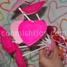 Ramo de corazones. Una manualidad con cartulina para niños