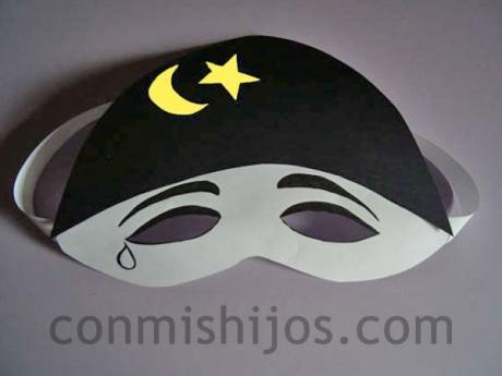 Máscara de Pierrot. Manualidad de Carnaval para niños