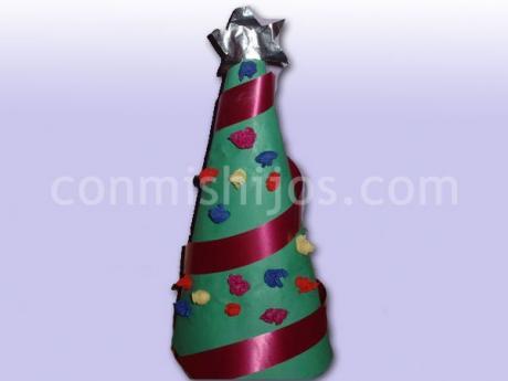 Mini árbol de Navidad. Manualidades para niños