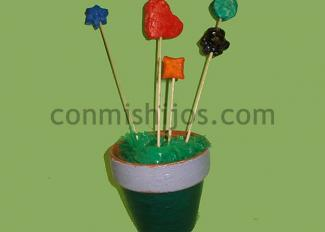 Maceta decorativa. Manualidad infantil para el Día de la Madre