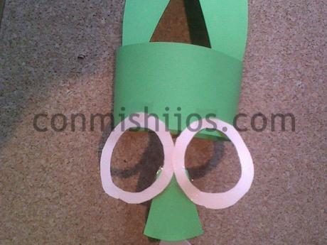 Máscara de conejito. Complemento de disfraz para niños