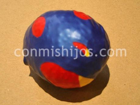 Bola anti estrés. Manualidades infantiles con globos