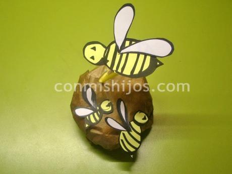 Colmena con abejas, manualidad de papel