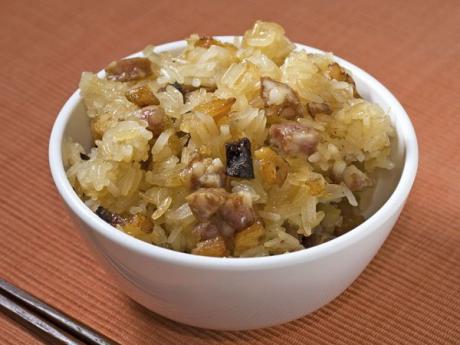 Arroz con salchichas, receta tradicional infantil