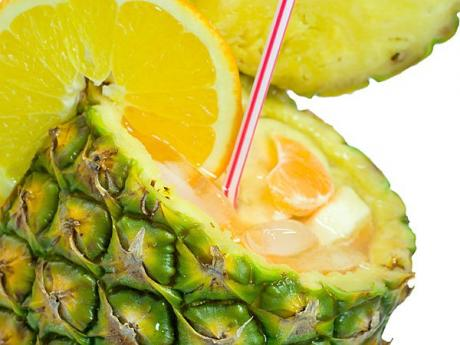 Piña de verano, postre con frutas para niños