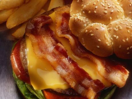 Bocadillo de queso y bacon. Recetas de meriendas