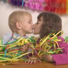 Felicidades con un beso. Tarjetas virtuales de amor