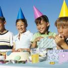 Fiesta de cumpleaños, tarjeta virtual de felicitación