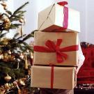 Postal virtual con regalos de Navidad para enviar por email