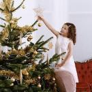 Tarjeta virtual de un árbol de Navidad para niños