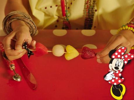 Brocheta de frutas de Minnie Mouse