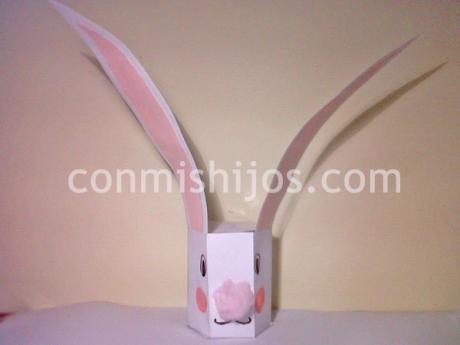 Cajita de conejo. Manualidad de cartulina para niños
