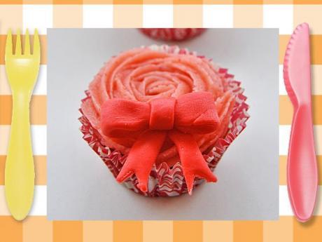 Cupcakes de fresas. Receta de postre para niños