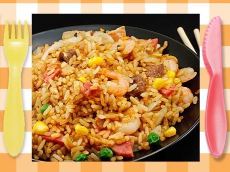 Arroz tres delicias. Receta china para niños