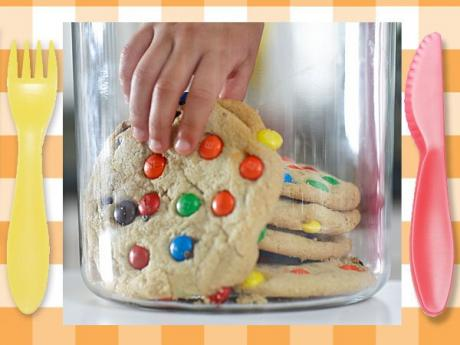 Galletas com M&M o Lacasitos, postre divertido para niños