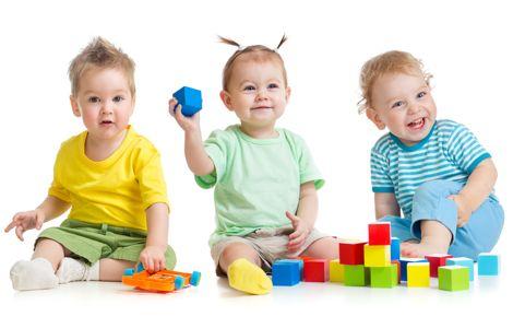 Los Juguetes Del Niño En Torno A Los 17 Meses
