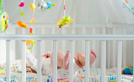 Por Qué Tu Bebé Debería Tener Un Juguete Móvil En Su Cuna