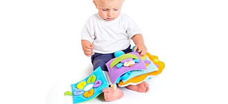 La lectura de padres a niños de 1 a 3 años
