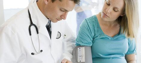Tratamiento médico embarazo inducido hipertensión después del parto