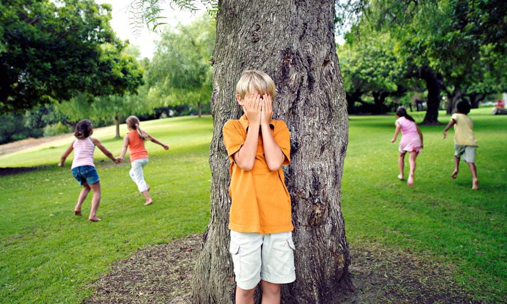 Juego del escondite. Juegos tradicionales para niños
