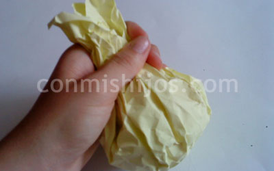 bola de navidad de papel paso