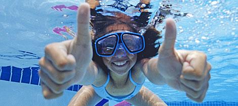 C mo prevenir las infecciones de los ni os en la piscina for Piscinas de plastico para ninos