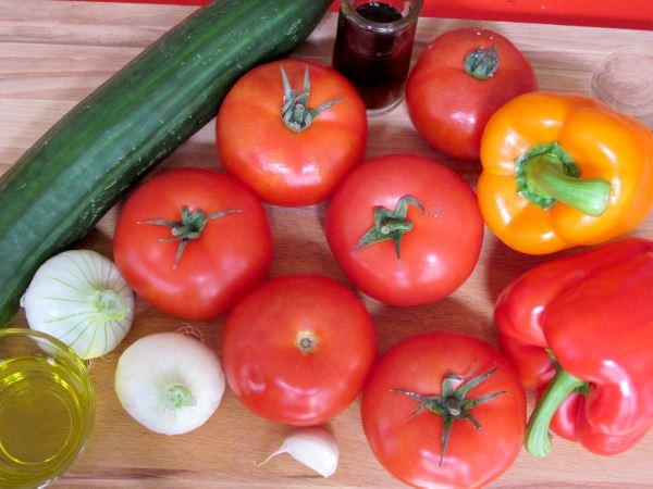 Receta infantil de gazpacho casero paso 1